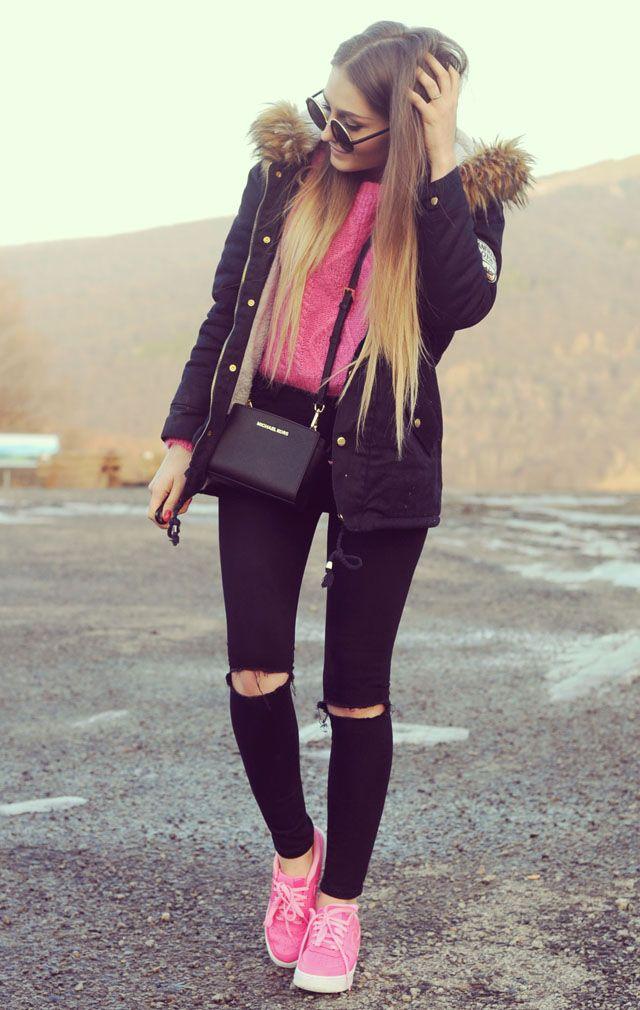 Outfit del día: Sweet pink sweater outfit, Look dulce con sueter rosado Este es un look muy bonito, y quien no tiene un sueter parecido a...