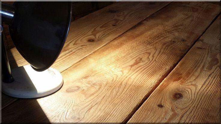 Asztallap bontott faanyagból, tisztított pallókból