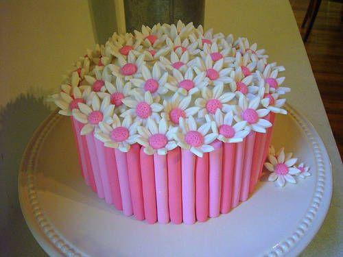 Sembra un mazzo di fiori questa torta