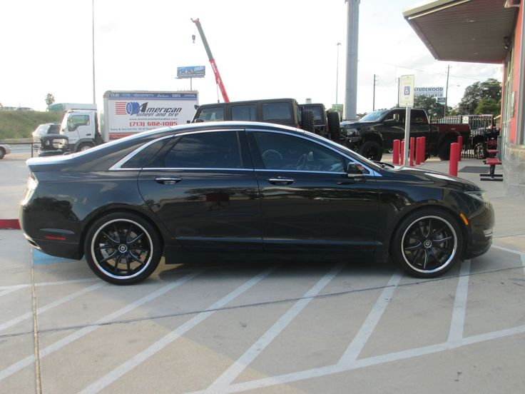 lexani wheels r twelve gloss black cnc windows with chrome stainless lip on a lincoln mkz http. Black Bedroom Furniture Sets. Home Design Ideas