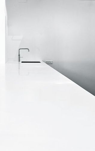 Epic The Village minimal white kitchen kitchen K che cuisine Design