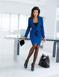 Business-Kostüm mit gerundetem Revers