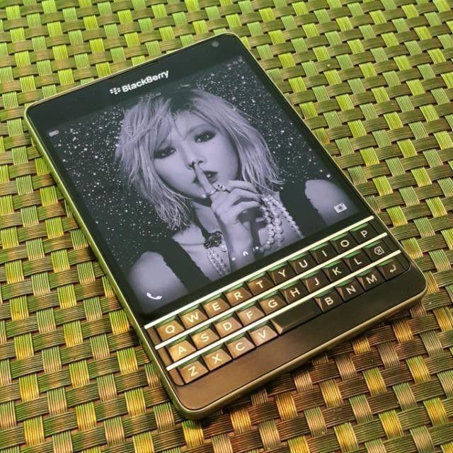 #inst10 #ReGram @watchesman: @Regrann from @saikou_desu: Yesssss - via #Regrann #repost #BlackBerry #BlackBerryPassport #passport #blackberrystyle #BlackBerryphoto #bblife #at&t #BlackBerryClubs #BlackBerryPhotos #BBer #BlackBerryPassport #Passport