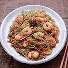 Een heerlijk recept: Nigella Lawson: Thaise noedels met kaneel en garnalen