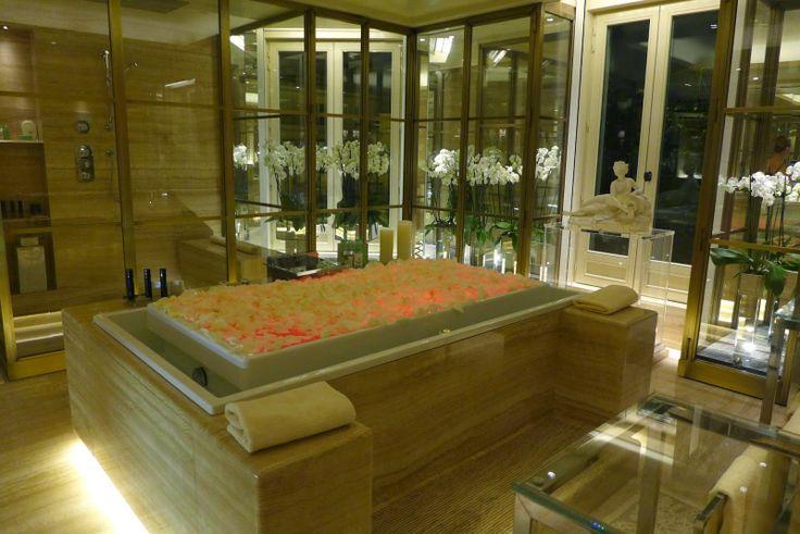 Travel: #InbedwithFS, a pyjama party at the Four Seasons Hotel George V Paris   The Parisian Eye