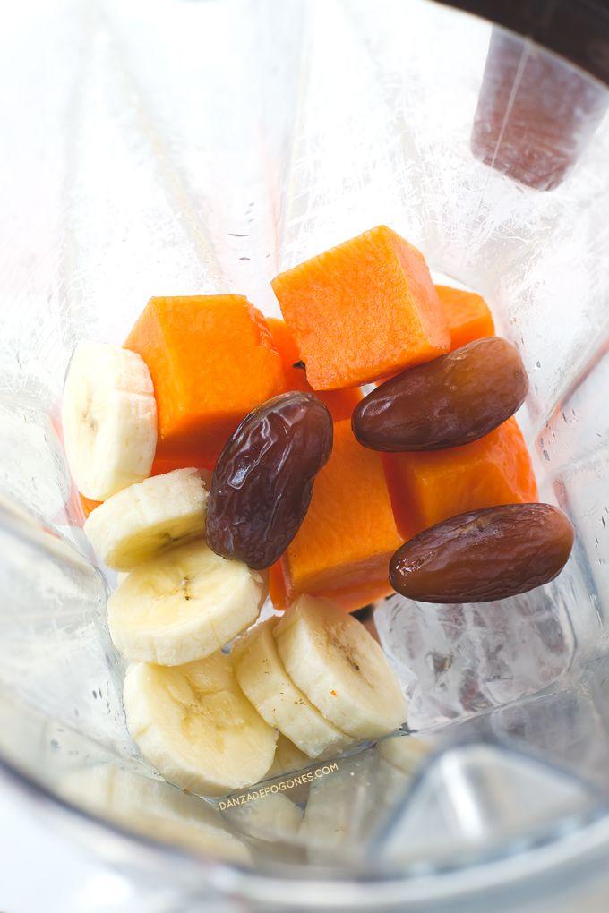 Ingredientes para hacer batido de calabaza. Cuando bebes este batido de calabaza parece que estás comiendo un dulce. Es muy saludable, nutritivo y solo tiene 148 calorías por ración | danzadefogones.com #danzadefogones
