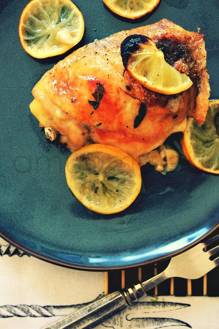 Kurczak z cytryną, szałwią i czosnkiem