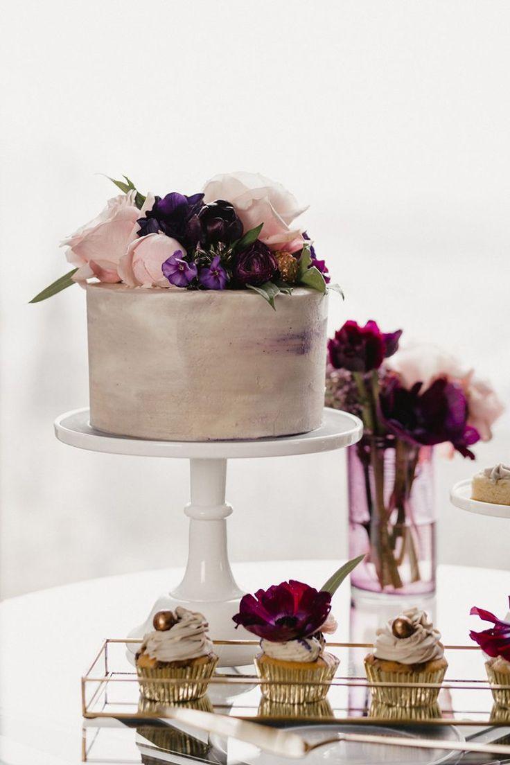 Purple Wedding Cake Fotos: Mister U0026 Misses Do Konzeption: Frieda Therés  Planung U0026 Organisation: Letu0027s Celebrate! Brautmode: Kaviar Gauche Model:  Paula Haare ...