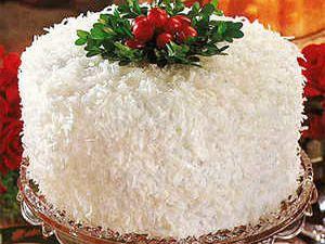 C'est un gâteau blanc de Noël classique à tous points de vue, avec trois la …   – Cakes/frostings
