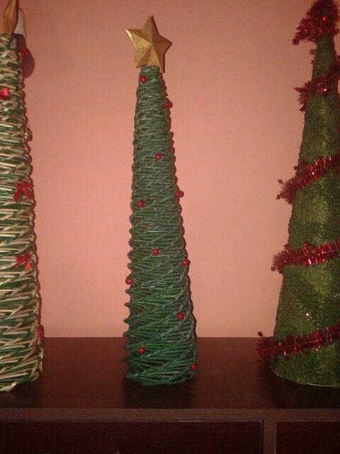 Arboles de navidad con papel de periódico