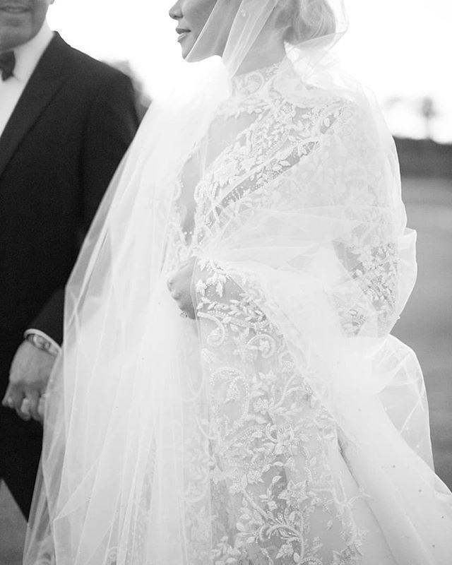 adc24c89fc2  collaboration  ralphandrusso  BridalStylist  BridalBeauty   Weddingoftheyear  taradollinger Captured by elizabethmessina as seen on G…