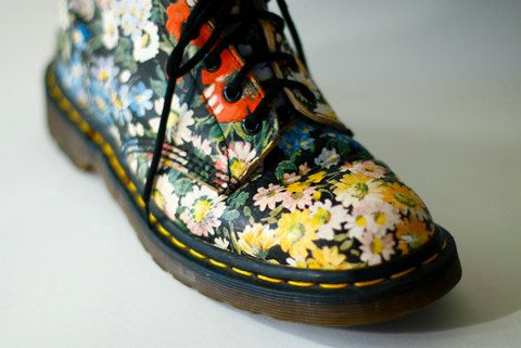 """Vintage 90s Dr Doc Martens Floral Flower Grunge Boots 8 9. The most coveted Doc Marten boot worn by Sienna Miller in a Nylon magazine editorial. These amazing boots are highly desired and are no longer produced. 90s revival grunge fashion at its best.    Length: 10 1/2″ insole  Width: 3 ½"""" insole  Label/ Size: Dr. Martens Air Wair/ UK 7  Condition: Very good condition with normal vintage wear, some wrinkling around the top.    International Buyers – Please Note:    Import duties, taxes, and…"""