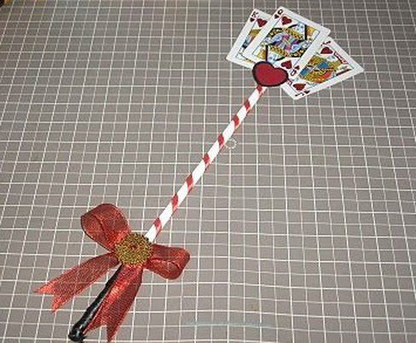 DIY Queen of Hearts Scepter