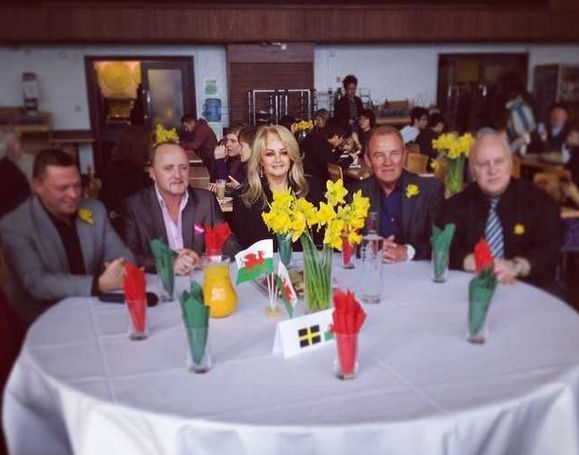 #bonnietyler #StDavidsDay #FultonHouse #SwanseaUniversity  Photo: Eve Oliver — at Swansea University.    http://www.the-queen-bonnie-tyler.com/