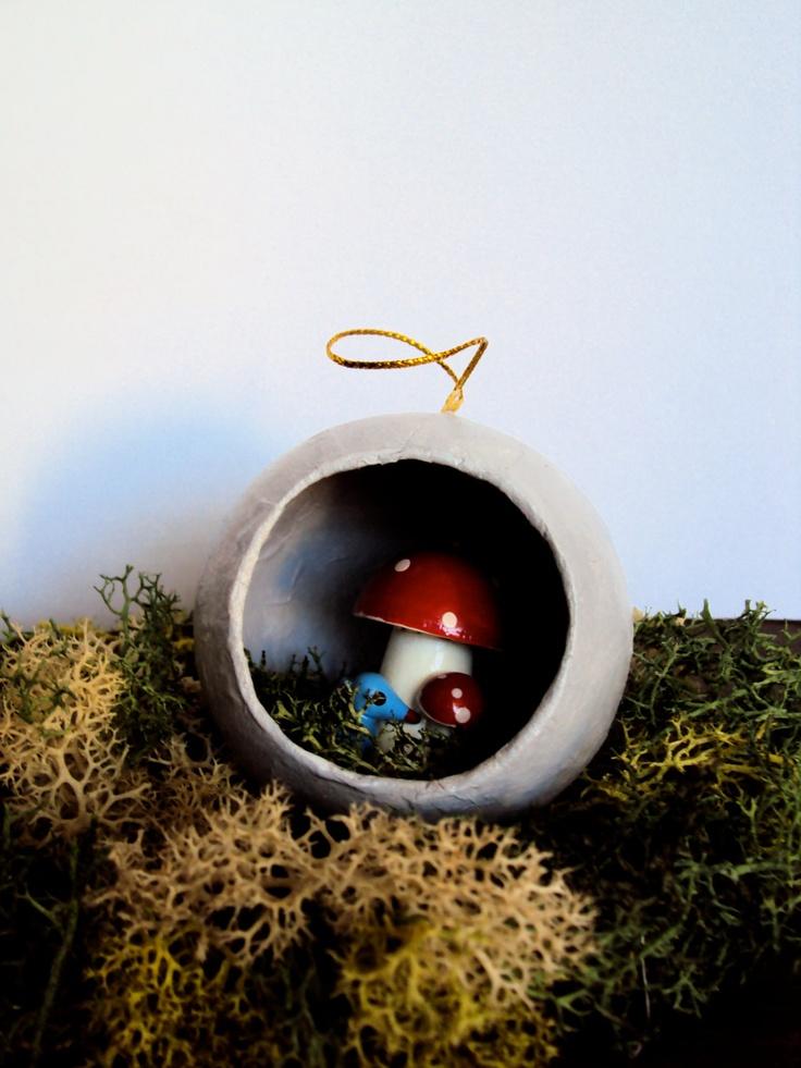 Mossy Mushroom Ornament - Woodland Christmas Decor - Diorama Art - Rustic Fairy Toadstool - Moss Nature Decoration