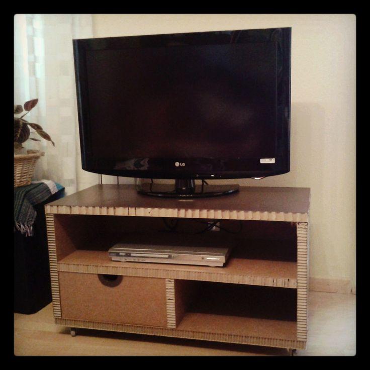 10 images about muebles de cart n la cartoner a on - Mesas de television de plasma ...