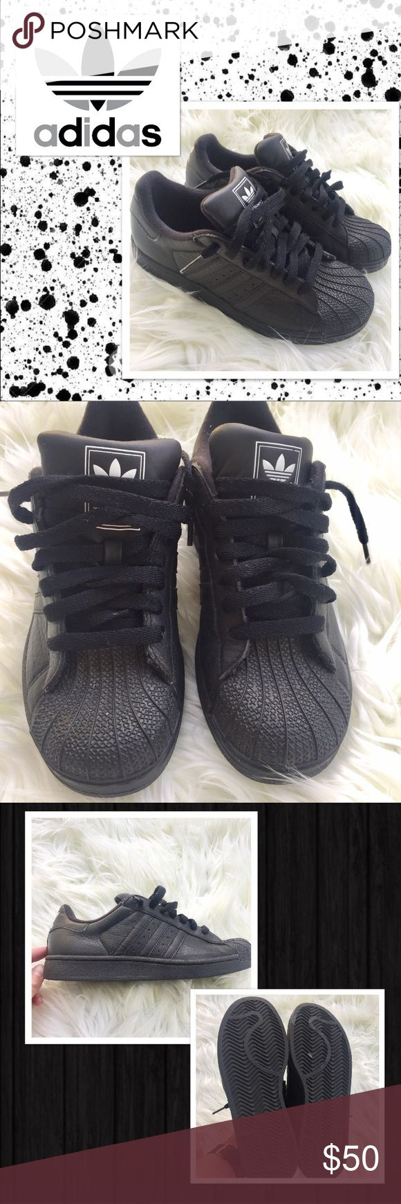 EUC Black Superstars All black. They fit like a women's 7. ✨Open to offers ✨ 20% discount on bundles Adidas Shoes Sneakers