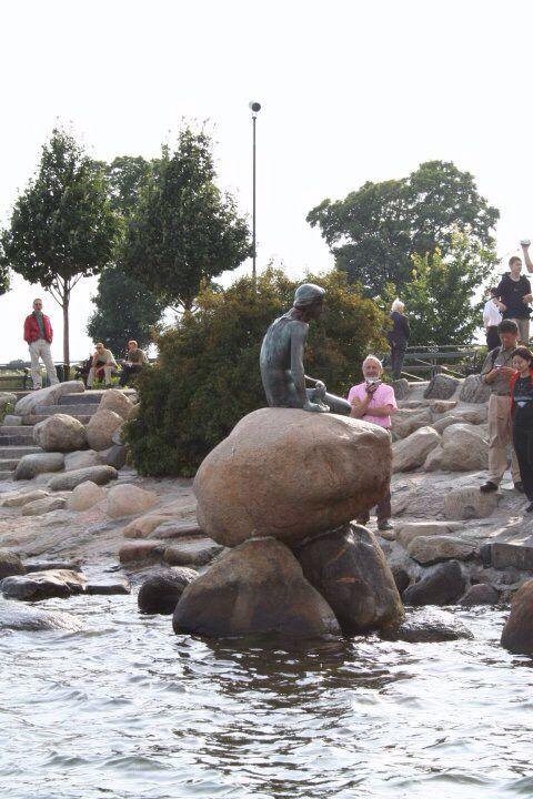 Foto da me scattata della sirenetta di Copenhagen, Danimarca. Alessandra Vinci