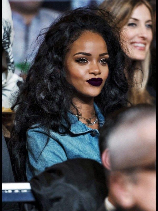 I want this color lipstick! Rihanaaa  <3