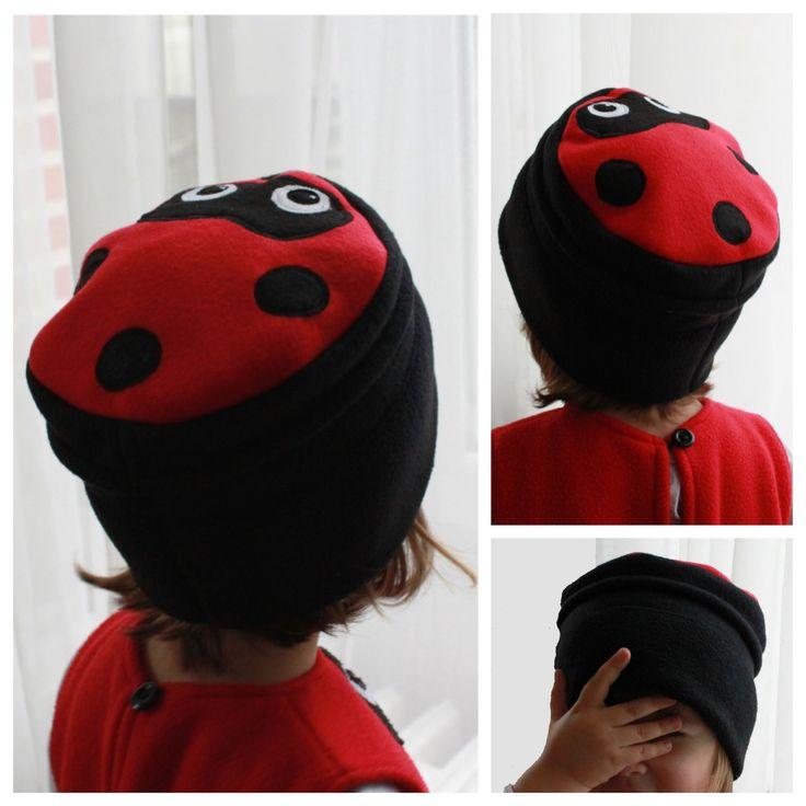 Bonnet coccinelle en polaire noire et rouge 2 à 6 ans