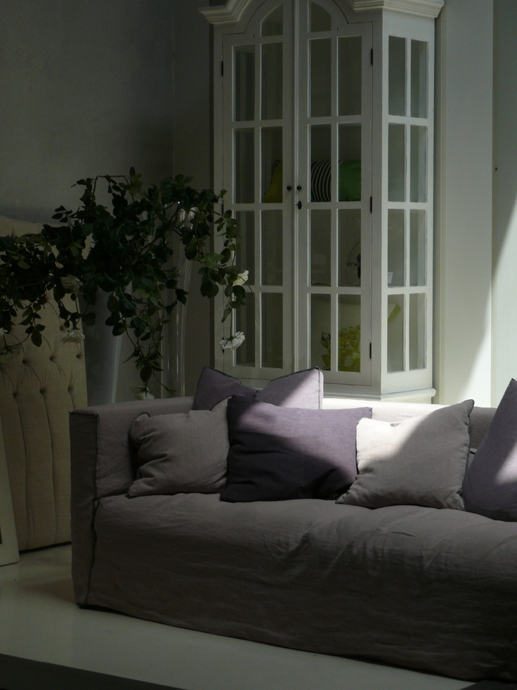 Dedicated to people who love a simple and relaxed lifestyle, beaten by less frantic rhythms, Rosalin is a sofa with a female look, real essence of style and romanticism. Soft lines and alive-cut finishes characterize Rosalin, that recalls Occitan suggestions, perfumes and freshness: the romantic sweetness and the old-fashioned taste are the key of interpretation for this couch that makes a past scented of lavender to come alive again. Nuances of delicate, dusty colors dye the cover in pure…