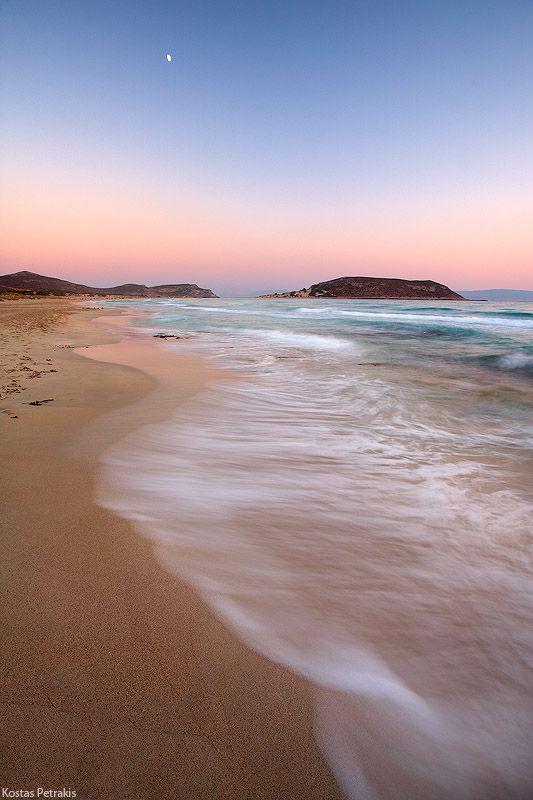 Elafonisos Simos Beach in Greece. - Click through the photo, to get information on how to visit Elafonissos.