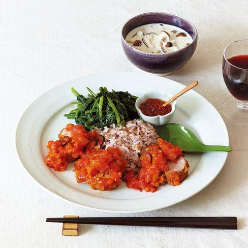 ●主菜 豚ヒレ肉のトマトソース煮 ●副菜 ほうれん草のバター炒め ●汁物 きのことさといものスープ