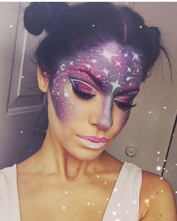 Just like anything else in the beauty world, Halloween makeup trends come and go. This year, the most popular Halloween beauty looks seem to be deer, unicorns, Snapchat filters, skeletons, and galaxy makeup. I love all of these options – they are all unique and gorgeous in their own way! – but my favorite has to be the galaxy makeup. I can't talk about the embarrassing amount of time I've spent lusting after these magical looks on Instagram and Pinterest.