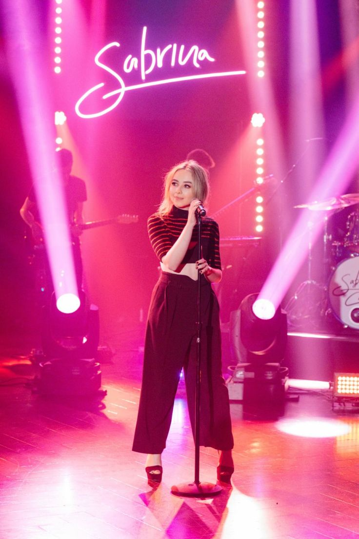 Sabrina Carpenter Performing on the Late Late Show With James Corden – 04/17/2017 | Celebrity Uncensored! Read more: http://celxxx.com/2017/04/sabrina-carpenter-performing-on-the-late-late-show-with-james-corden-04172017/