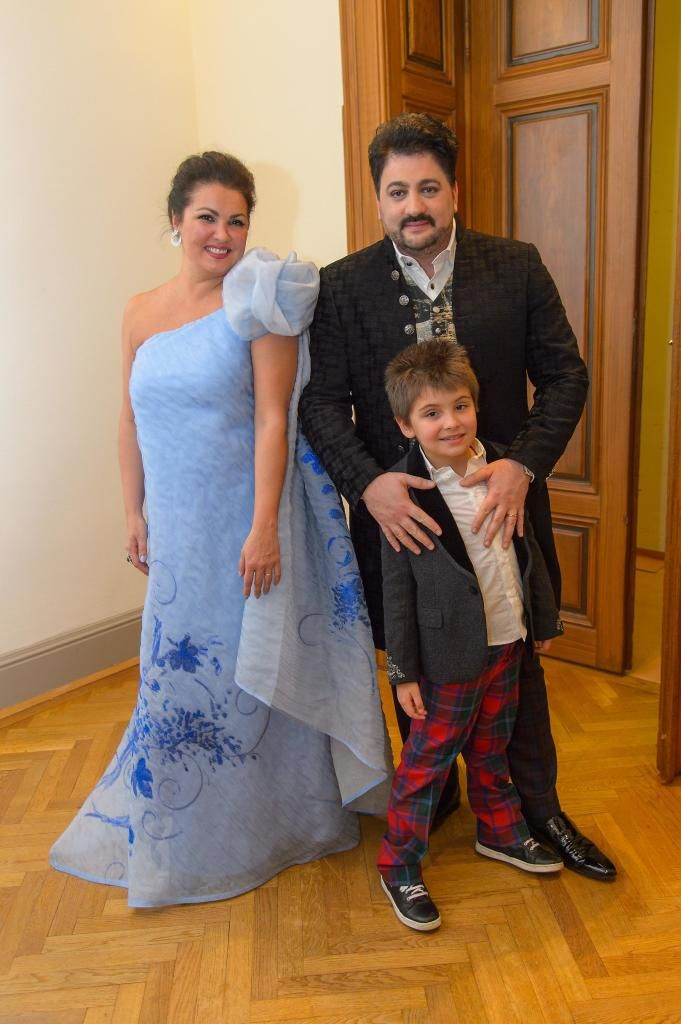 All for Autism Charitykonzert, Wiener Musikvereinssaal, Wien, 26.4.2016, Anna NETREBKO mit Sohn Thiago und Ehemann Yusif EYVAZOV © Andreas Tischler/All for Autism