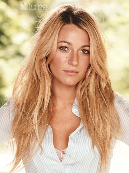 The Lively! Blake is famous for her California blonde, layered hair. #blakelively #hair