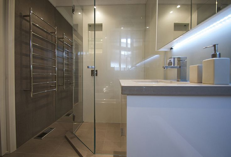VIVANT GLASS | Melbourne | Painted Glass splashback shower and bathroom wall panels