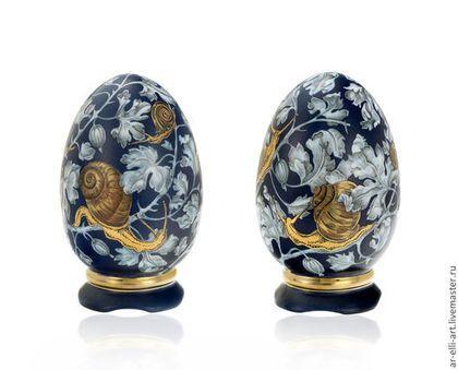 """Статуэтки ручной работы. Ярмарка Мастеров - ручная работа. Купить Яйцо фарфоровое на подставке """"Улитки"""". Handmade. Фарфор, эксклюзивная работа"""