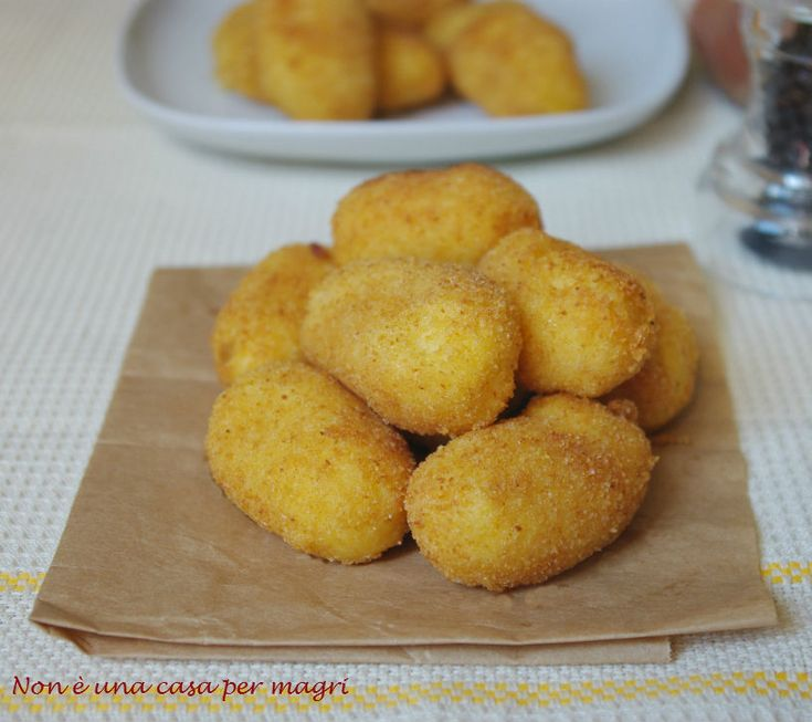 Una ricetta facile: crocchette di baccalà e patate http://blog.giallozafferano.it/noneunacasapermagri/crocchette-di-baccala/