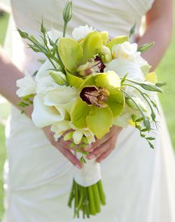 simple and elegant green and white tropical bridal design