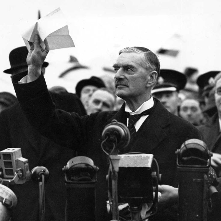 30 September 1938 > Neville Chamberlain Tells Britain He's Delivering 'Peace for Our Time'