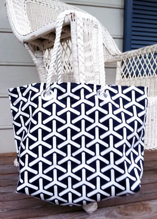 Beach tote tutorial by Christen Barber for Cloud9 Fabrics.