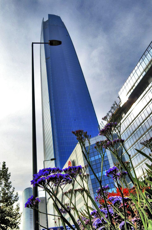 Gigante de Santiago, Costanera mall, 60 ´pisos (60 floors)