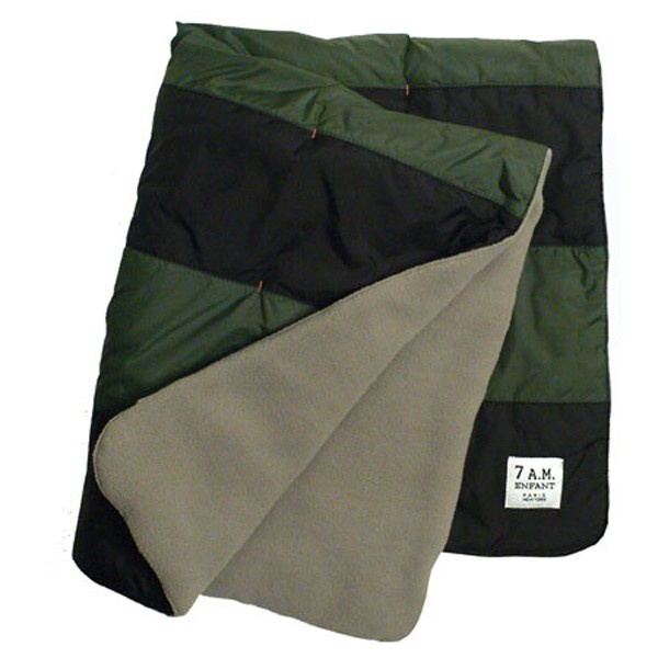 The Blanket 36 is a sleek and stylish blanket that works great for travel, in the park or on chilly stroller days.