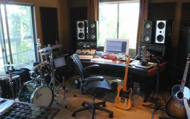 Check out this massive list of home studio setup ideas. Filter down by room colors, number of monitors, and more to find your perfect studio. Home Recording Studio Equipment, Music Recording Studio, Audio Studio, Music Studio Room, Recording Studio Design, Music Rooms, Home Studio Setup, Studio Interior, Studio Ideas
