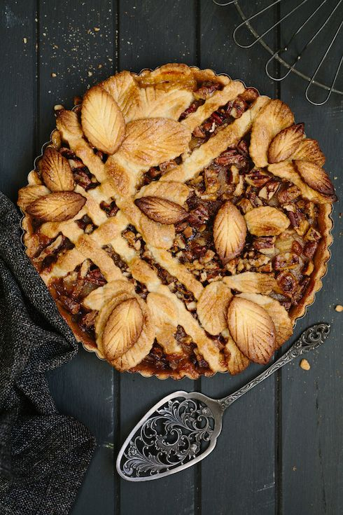 Caramel, pear & pecan lattice pie  |  The Food Fox