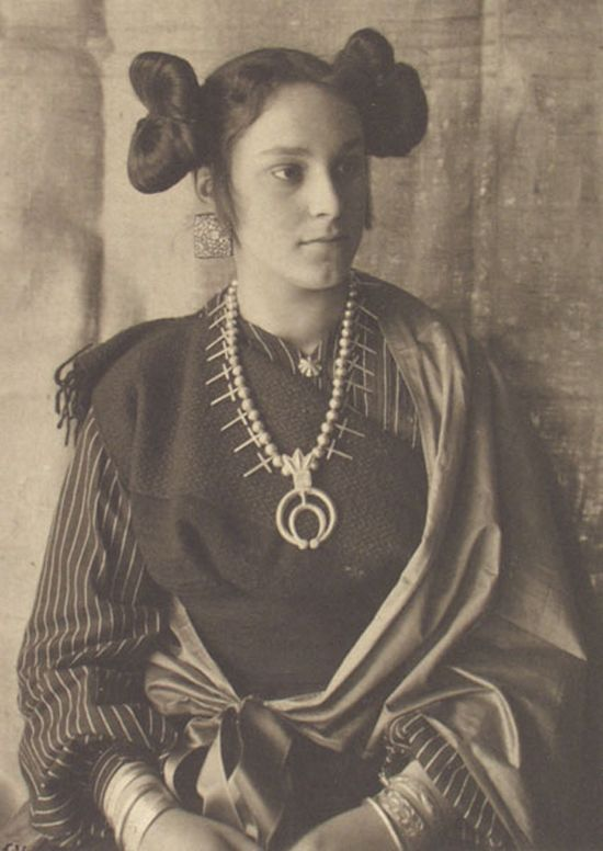 Woman in traditional Hopi clothing 1895
