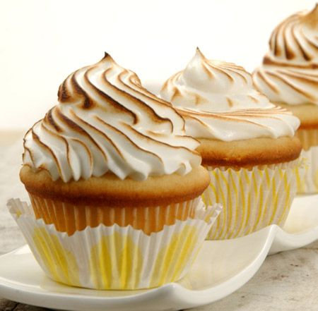 Lemon meringue cupcakes!: Desserts, Dinners Ideas Healthy, Cupcakes Ideas, Sweet, Lemon Meringue Cupcakes, Cupcake Recipes, Food, Cupcakes Recipes, Cupcakes 101