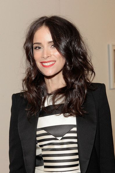 """Abigail Spencer Photos - Actress Abigail Spencer attends The Art Of Elysium's 6th annual """"Pieces Of Heaven"""" powered by Ciroc Ultra Premium Vodka at Ace Museum on February 20, 2013 in Los Angeles, California. - The Art Of Elysium's 6th Annual Pieces Of Heaven Powered By Ciroc Ultra Premium Vodka"""