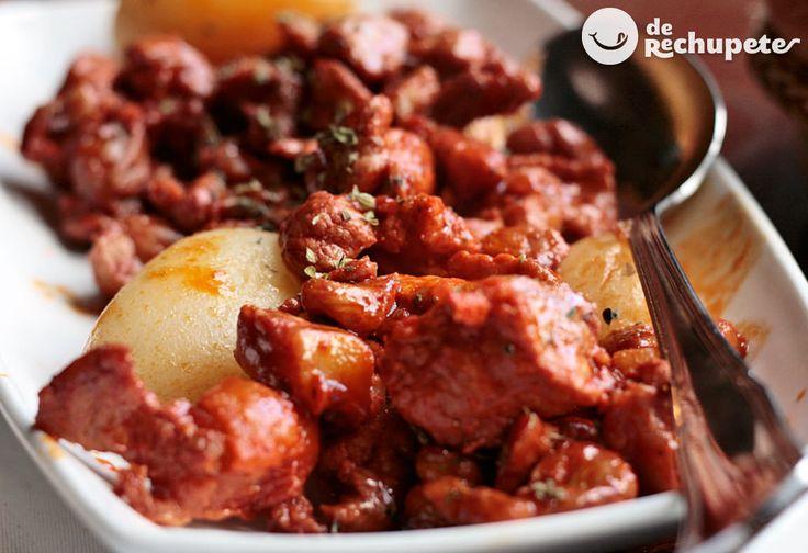 Frebas en la zona de Ourense, o raxo en el norte de Galicia, sobre todo en las zonas costeras, este al igual que la zorza o el picadillo (Asturias) se adobaba con ajo, pimentón, sal y orégano.
