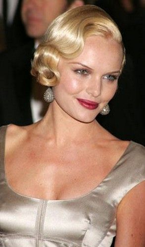 Flapper hairstyle - I love this vintage look. So elegant and glam.