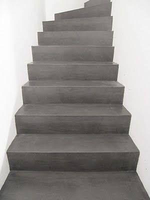 Beton ciré op trap Een sterke watervaste 'cementstuc' verkrijgbaar bij Art Design Comprex Rotterdam