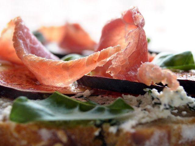 relaxotour: Szendvics fügével és mangalicasonkával  Baráti öss...