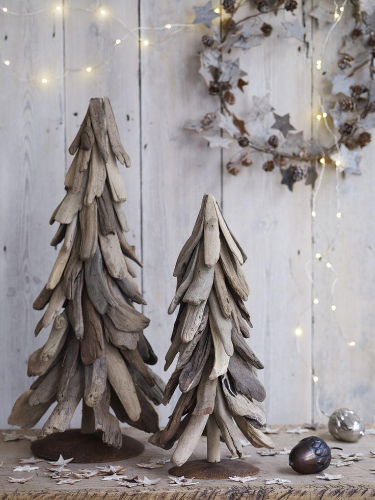 Buongiorno! Si avvicina Natale e noi vi diamo qualche spunto: guardate che meraviglia le decorazioni in legno!