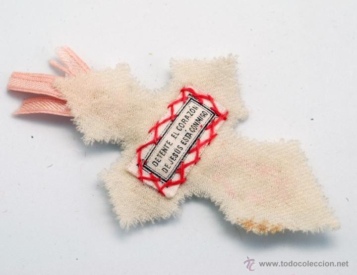 Antigüedades: Detente escapulario forma cruz Sagrado Corazón Jesús está conmigo seda fieltro bordado hilo dorado - Foto 2 - 42349249